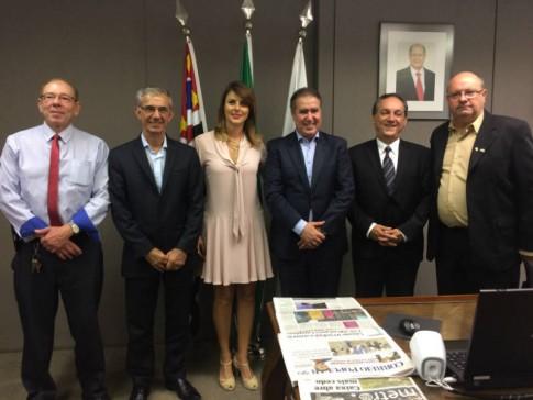 Cônsul honorário Alvaro Cotomacci., Dep. Davi Zaia, prefeito Jonas Donizette, vereadore Rossini e Paulo Henrique Ciste, do Circolo Italiano de Outro Fino.