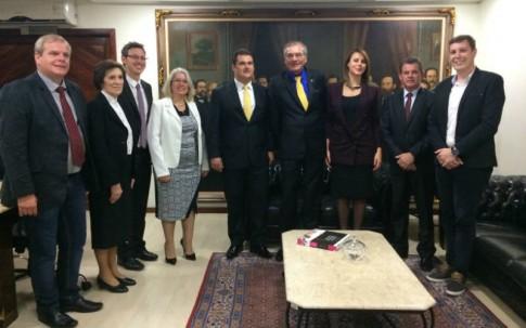 Na presidência da ALESC.
