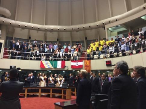 Assembleia lotada para a Sessão especial