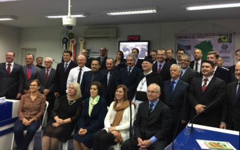 Homenageados na comemoração dos 140 anos de imigração vêneta em Santa Catarina