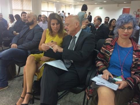 Com o Cônsul Geral da Itália no Paraná e em Santa Catarina, Enrico Mora e com a designer italiana, Anna Gilli.